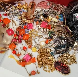 Jewelry - Lot mix of vintage and custom jewelries